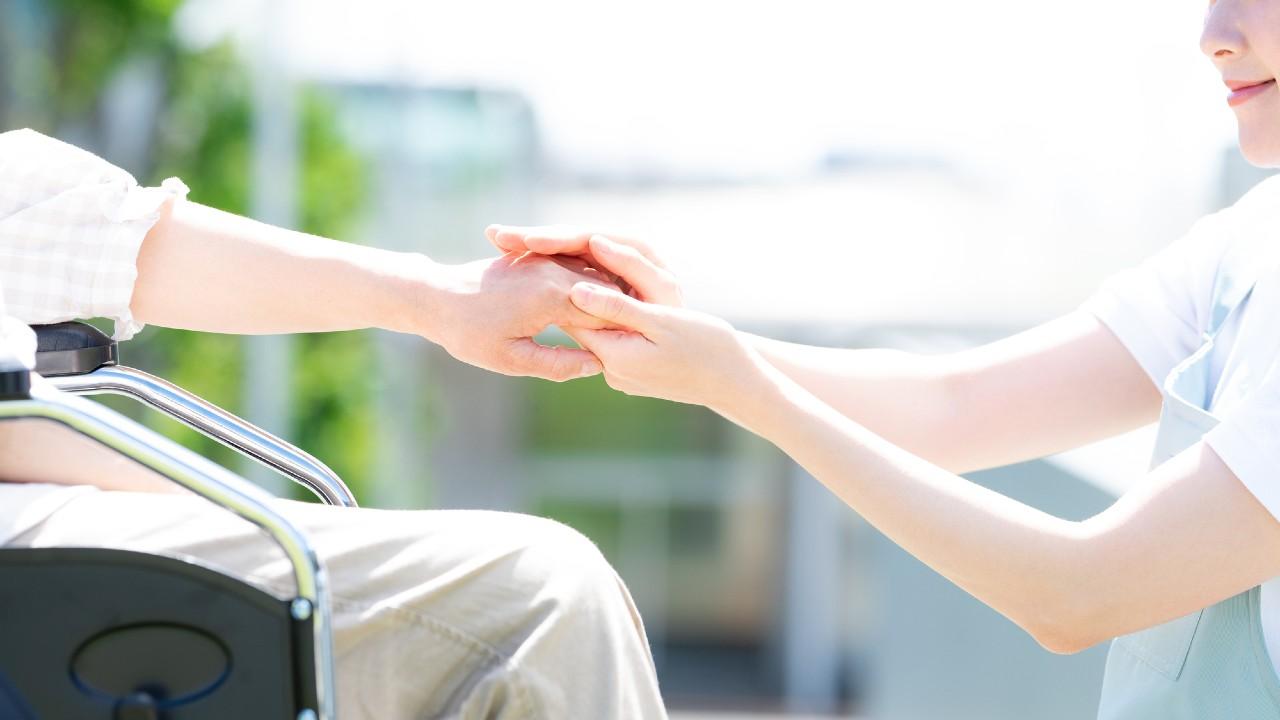 首都圏では月30万円以上…「高級」老人ホーム、入居金に絶句