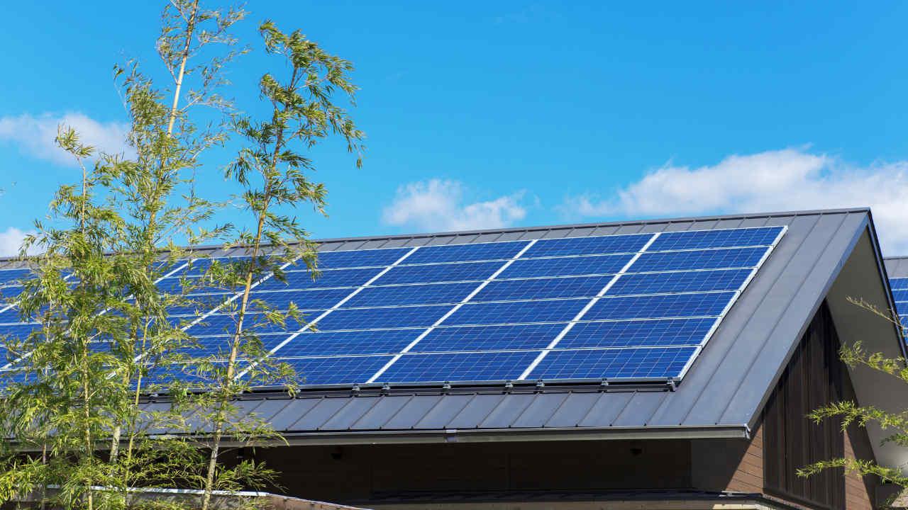 太陽光発電の買取り終了も…「すぐに手放すべきではない」理由