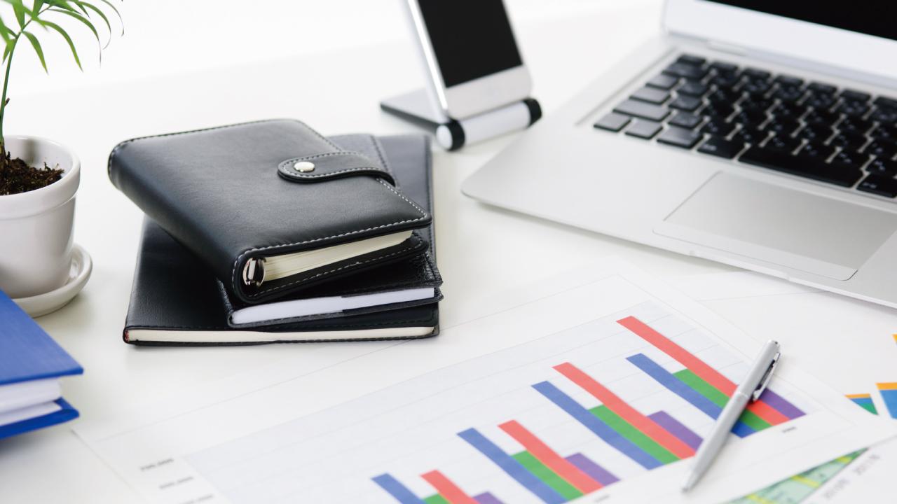 個人保険を名義変更し、赤字法人の利益を底上げする方法