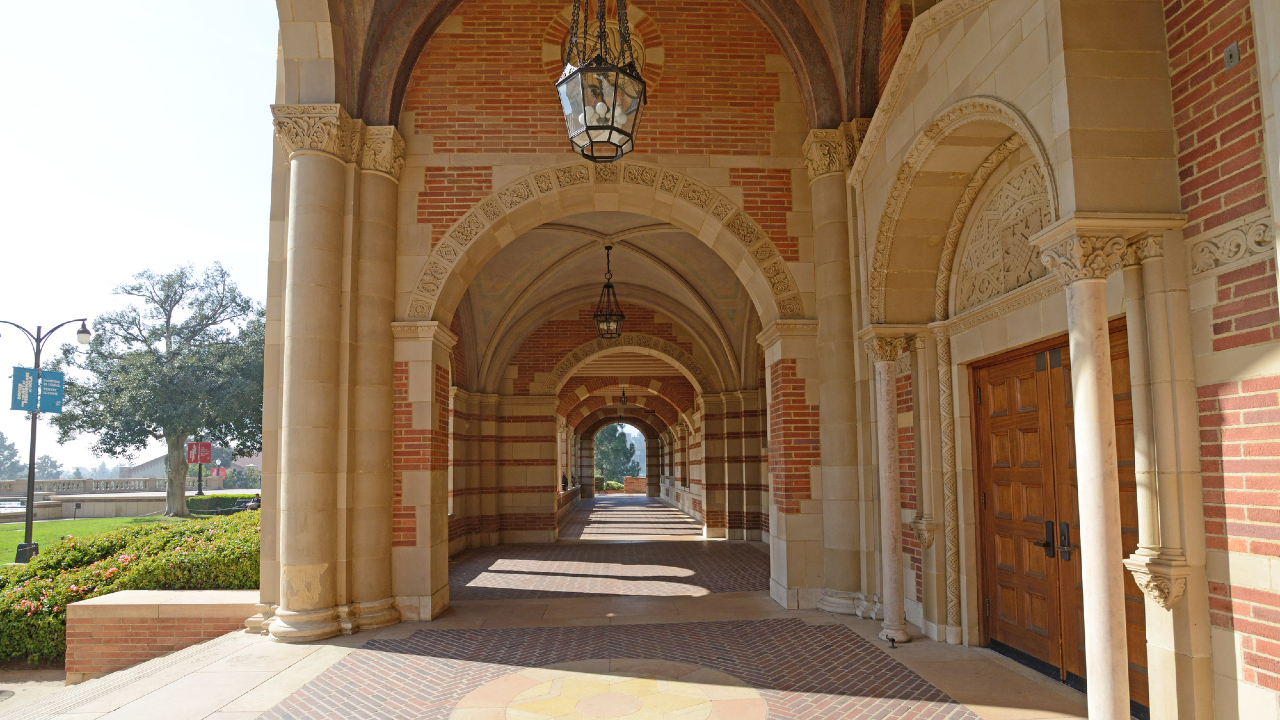 米国名門大学への「編入ルート」を拓く、短大時代の単位取得法