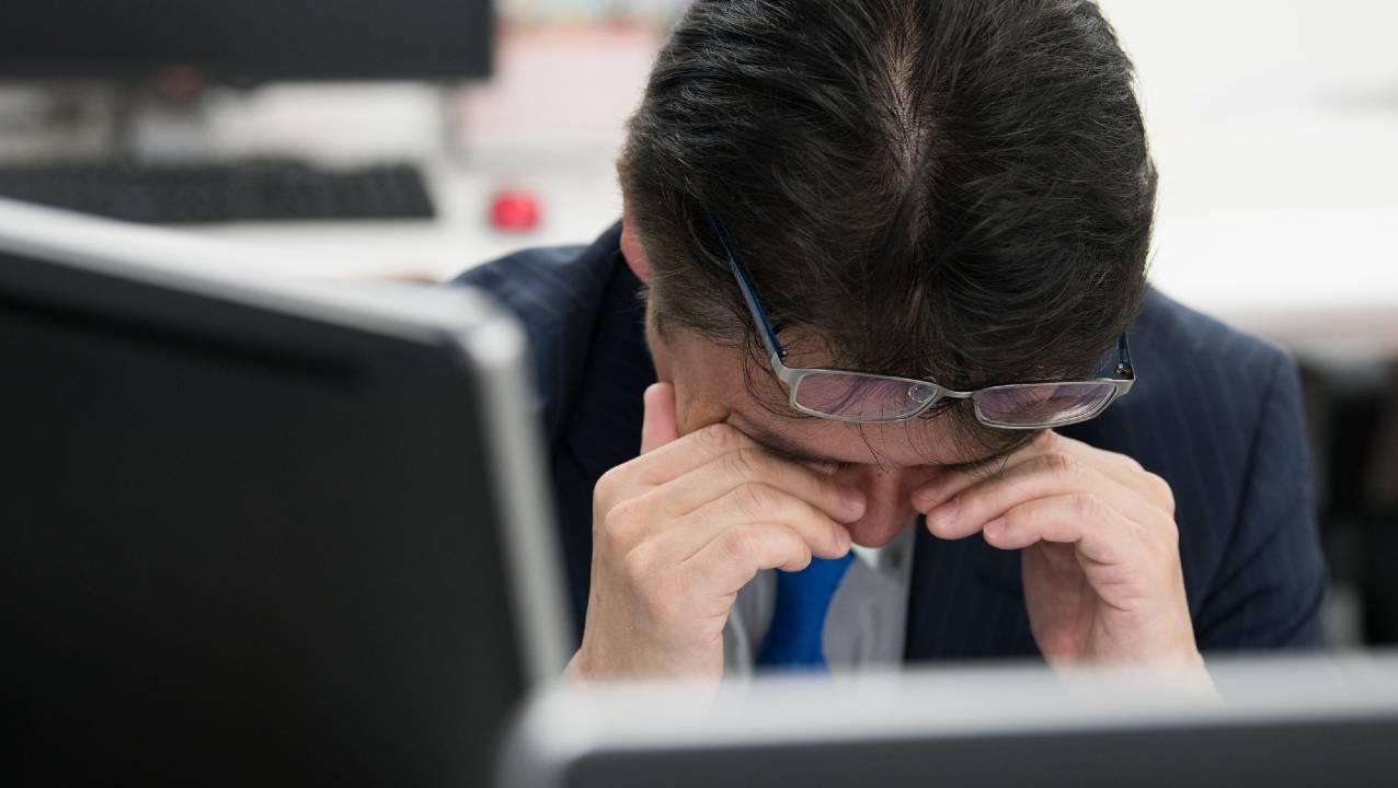 社会人が苦しむ「仕事中の眠気、脱力感」に潜在する死亡リスク