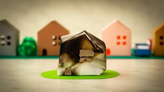 家が全焼…燃えた「洋服、家具、家電」は保険で補償されるか?