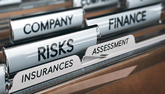 小さな会社にとって「全額損金タイプの法人保険」はムダ