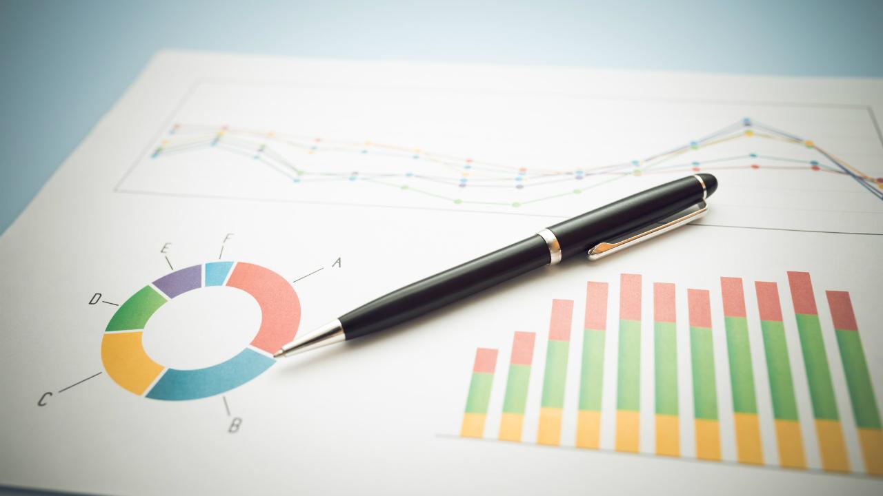 減価償却の「定額法」「定率法」それぞれの節税効果とは?