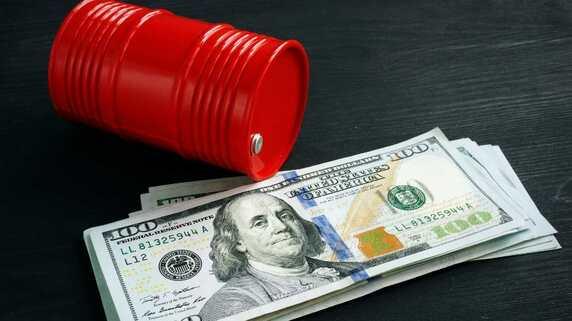 上昇する原油価格と金融政策