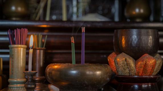 仏壇、お墓・・・相続税の課税対象外となる「宗教道具」とは?