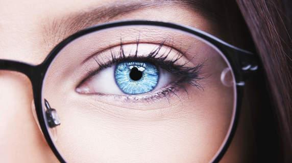 眼科の受診は必要?「目の不具合」の原因・症状と治療法