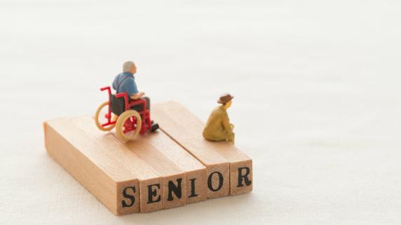 年金だけだと毎月5万円の赤字…65歳以上無職高齢夫婦のリアル