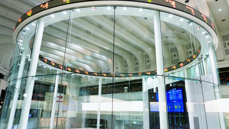 年金破たんが原因?「株式と債券」の利回りが逆転した裏事情