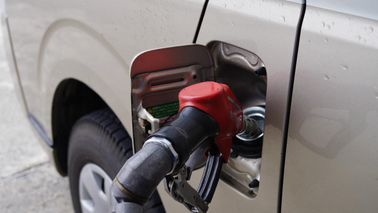 スリランカの税収にも打撃を与える原油価格の下落