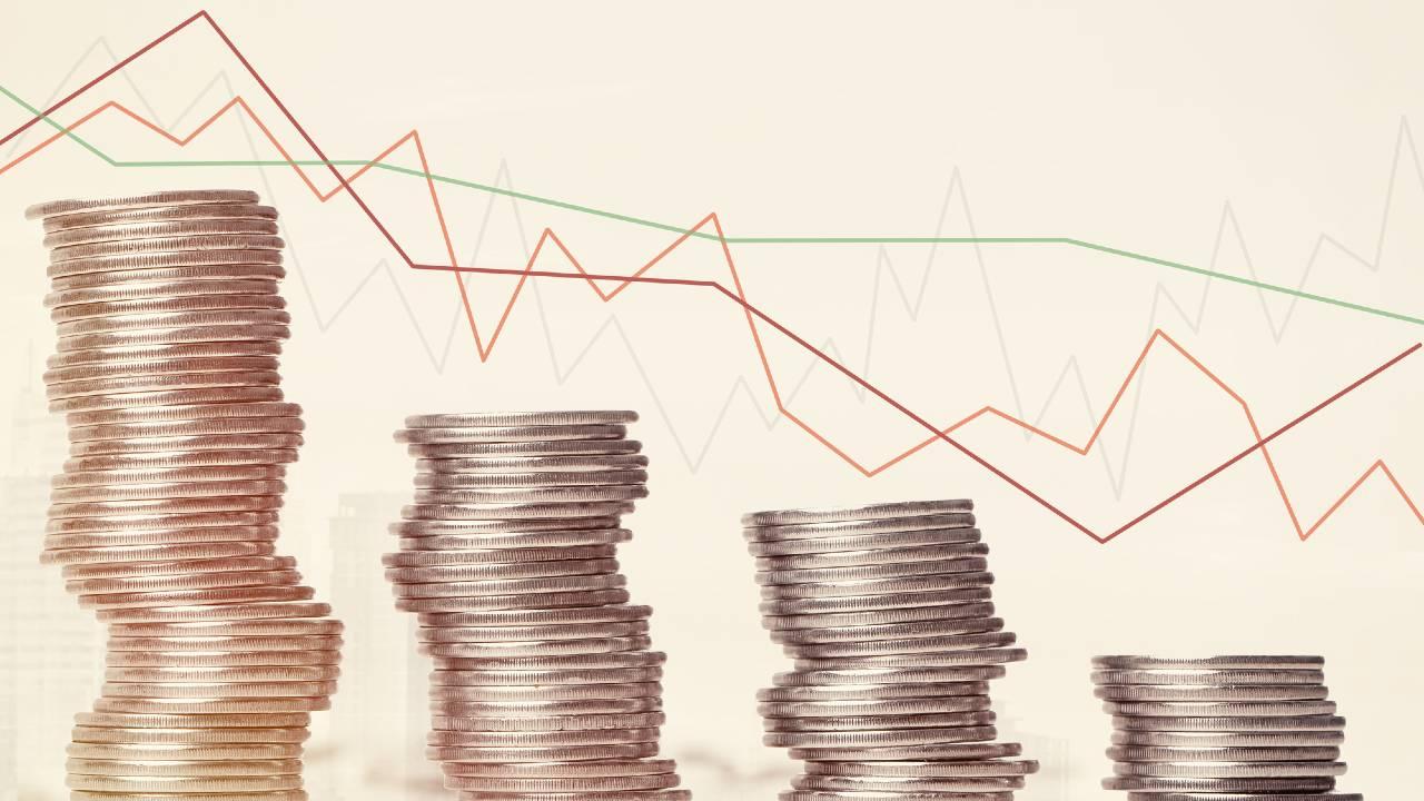 株価急騰…笑顔の高齢初心者が立つ、株式相場の「崖っぷち」