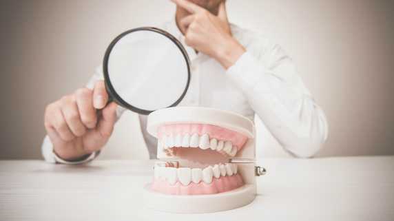 内臓疾患のリスクまで!? 「虫歯」と「歯周病」の危険性