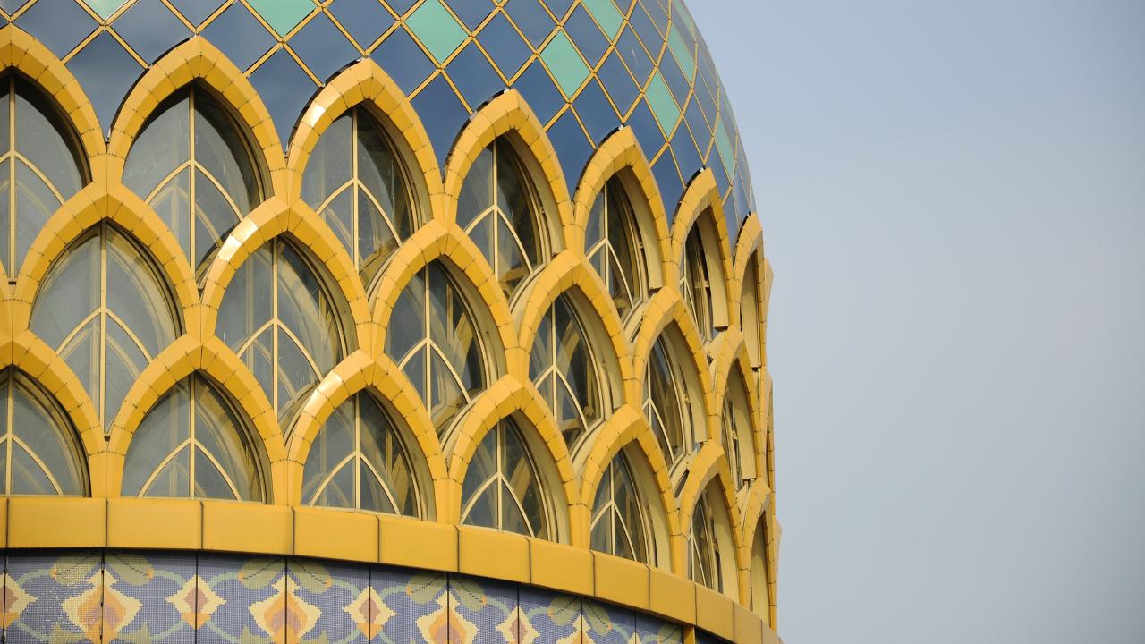 宗教とビジネスの間で揺れる「イスラム金融」