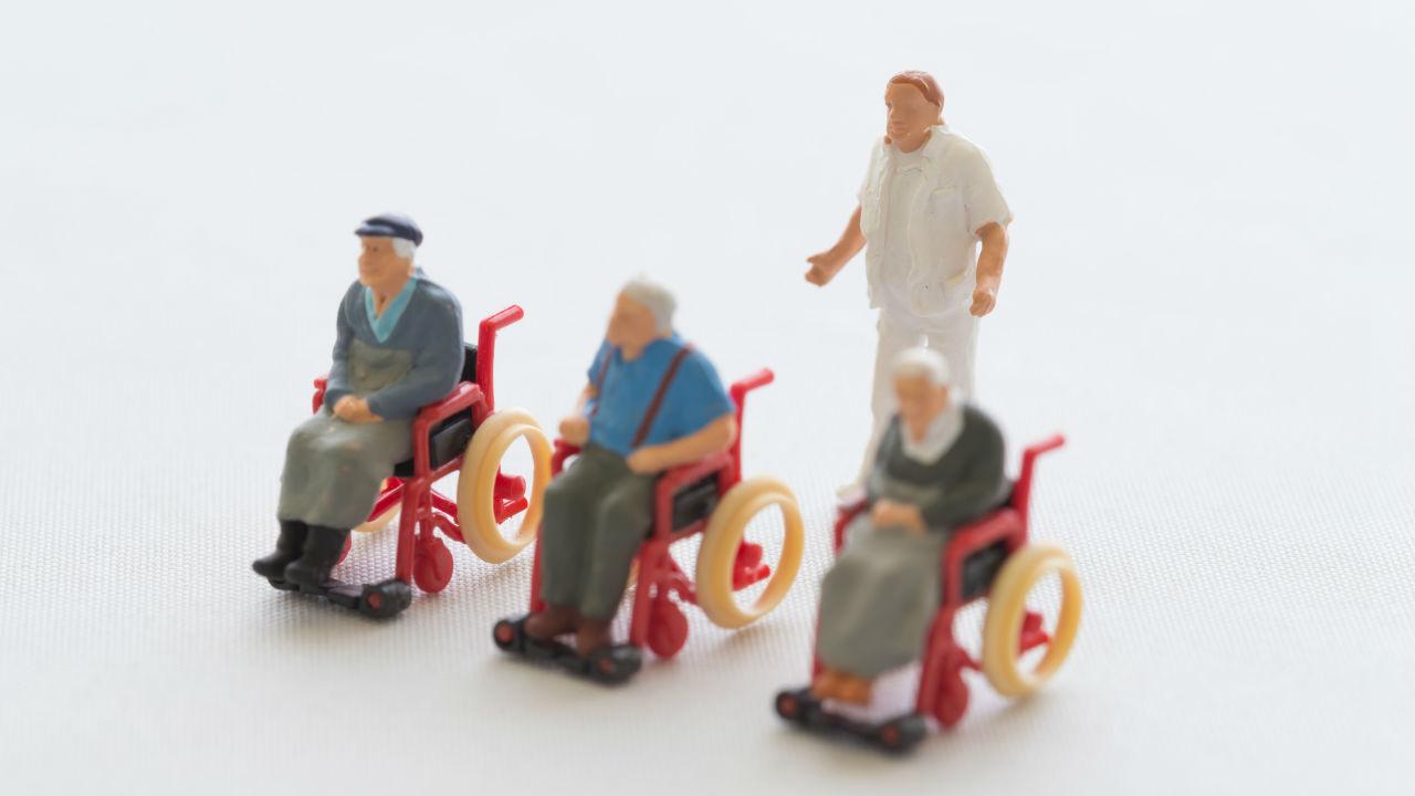介護施設の経営者が知っておきたい「職員の離職理由」