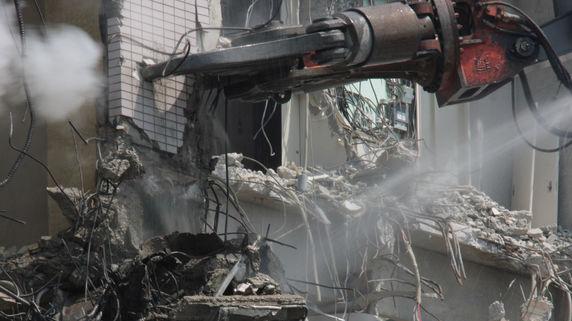 待ち受ける修繕と解体…不動産投資「見えない出費」の恐怖