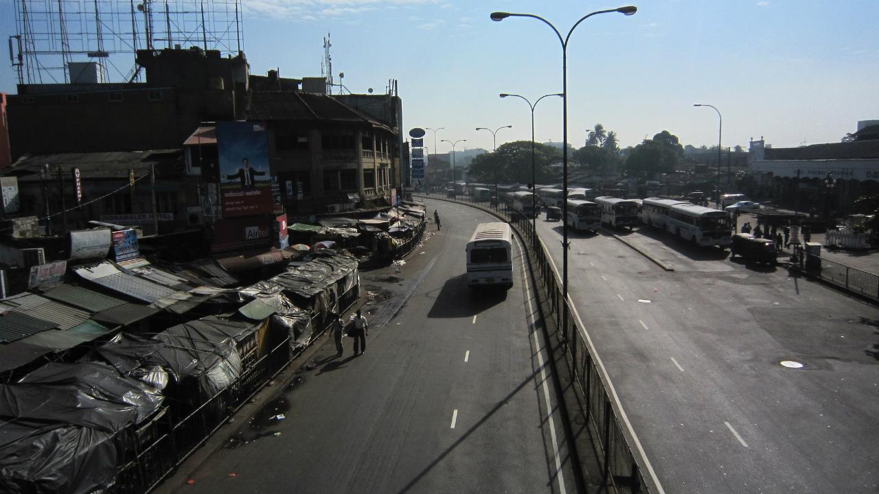 経済政策の失敗が生んだスリランカの自動車輸入規制