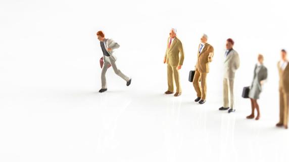 残りの会社員人生を、ずっと腐ったままで生きていくのか?