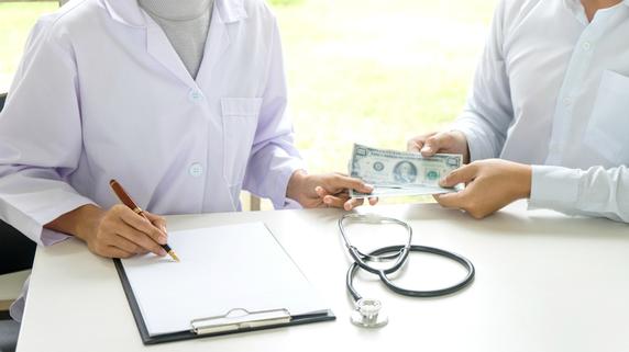 医療法人設立時の基金拠出・・・必要書類の記入例