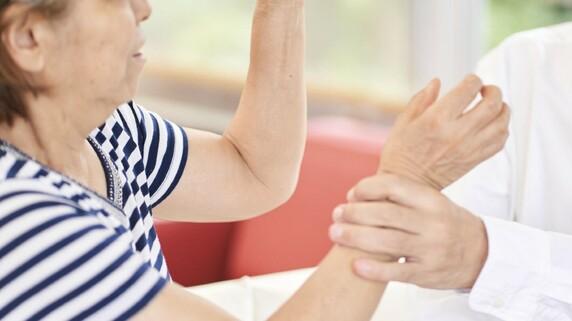 「死ねとおっしゃるんですか?」75歳・家賃滞納女性が激怒…壮絶な「8050問題」の実態【司法書士の実録】