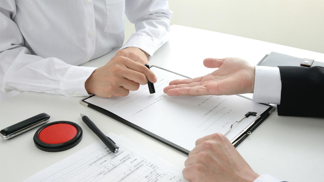 親族外事業承継の基本となる「株式譲渡」「事業譲渡」の概要