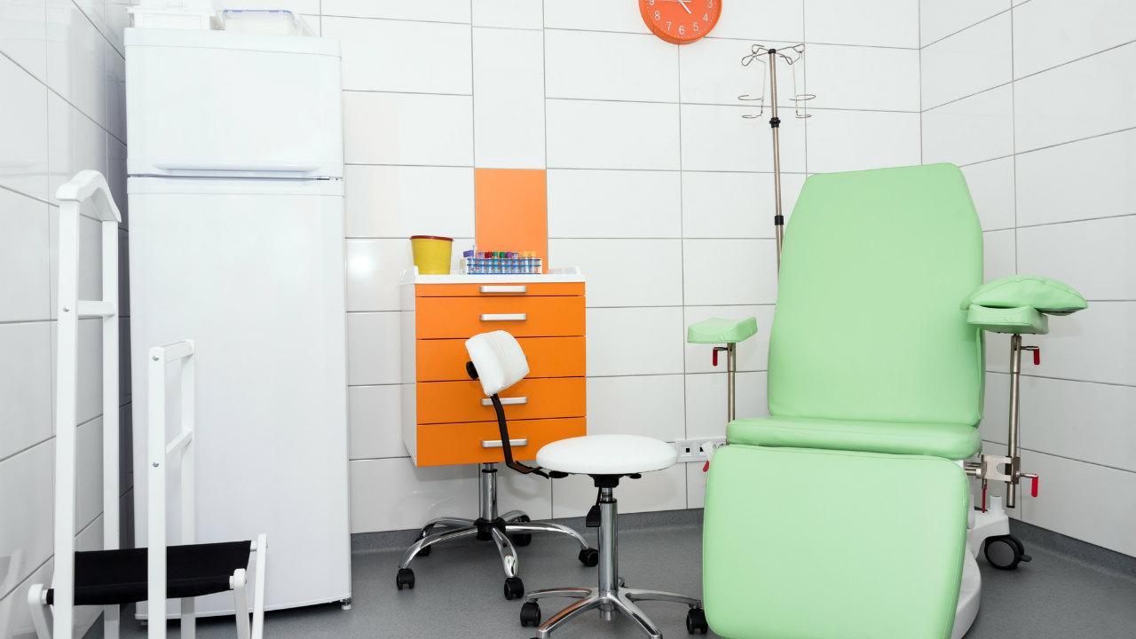 「歯が痛い。無料で治療して」…歯科医の無茶クレーム対応は?