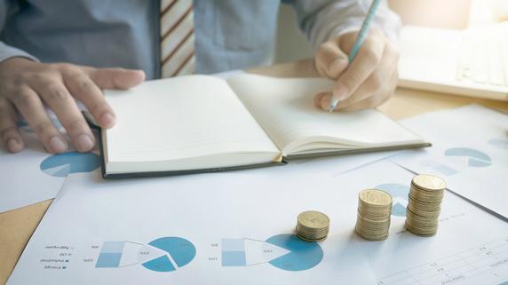 100%損金の保険商品…長期平準定期保険と逓増定期保険の概要