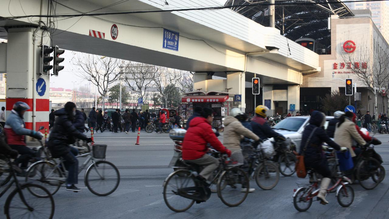 中国経済「新常態」への移行――進まない農民工の福利厚生改革