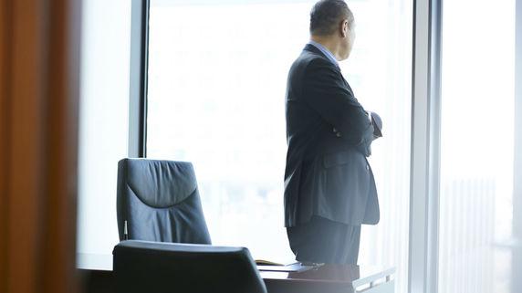 社長は「身ぐるみ剥がされる」?日本の開業率が低い理由