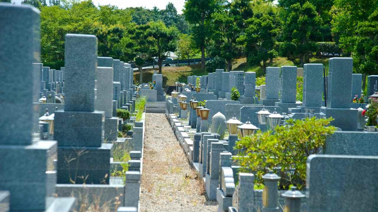 迫る多死社会…今後は「お墓を建てられなくなる」まさかの事情