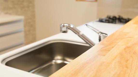 トイレ・キッチンの排水が詰まった…入居者トラブルの事例