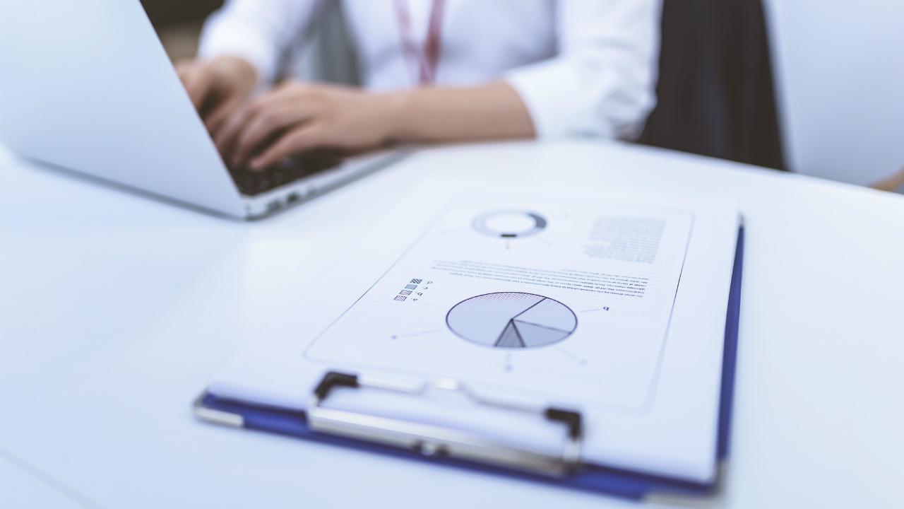 会社の売却・・・企業評価における「類似上場企業比較法」とは?