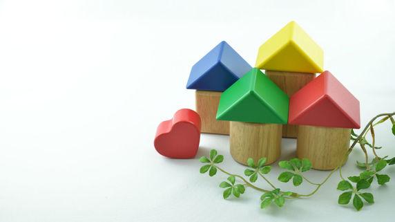 難病を患う母に「投資用マンションの購入」を報告する須藤