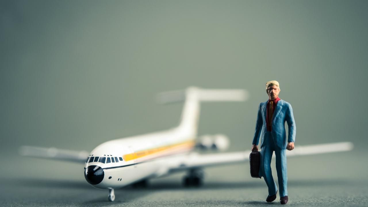 航空券などの高額旅費の精算・・・税務上、領収書は不可欠か?