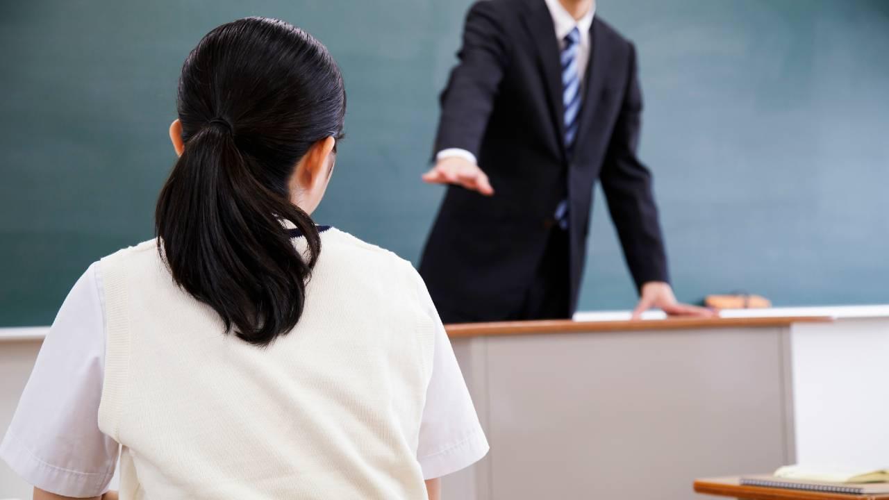 月40万円…民間企業並みの「日本の教師の給料」は低いのか?