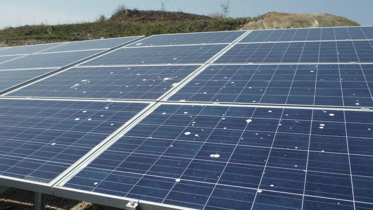 太陽光発電投資で必ず実施したい「パネルの洗浄」とは?