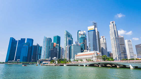 老後資金はいくら必要?高齢化が進む日本とシンガポールを比較