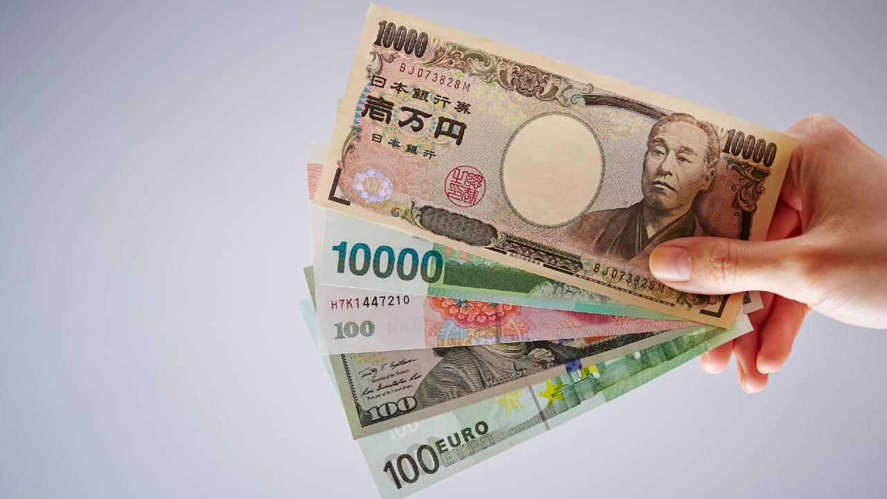 「手数料だけで元本割れ」のリスクが…高金利の「外貨預金」を賢く運用するための知識