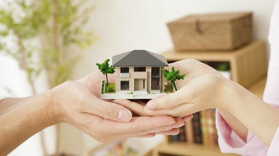 「おしどり贈与」の活用…非課税枠内で自宅を妻に贈与する方法