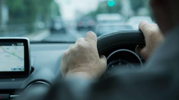 高齢者の「運転する権利」と「市民の安全」を両立するには?