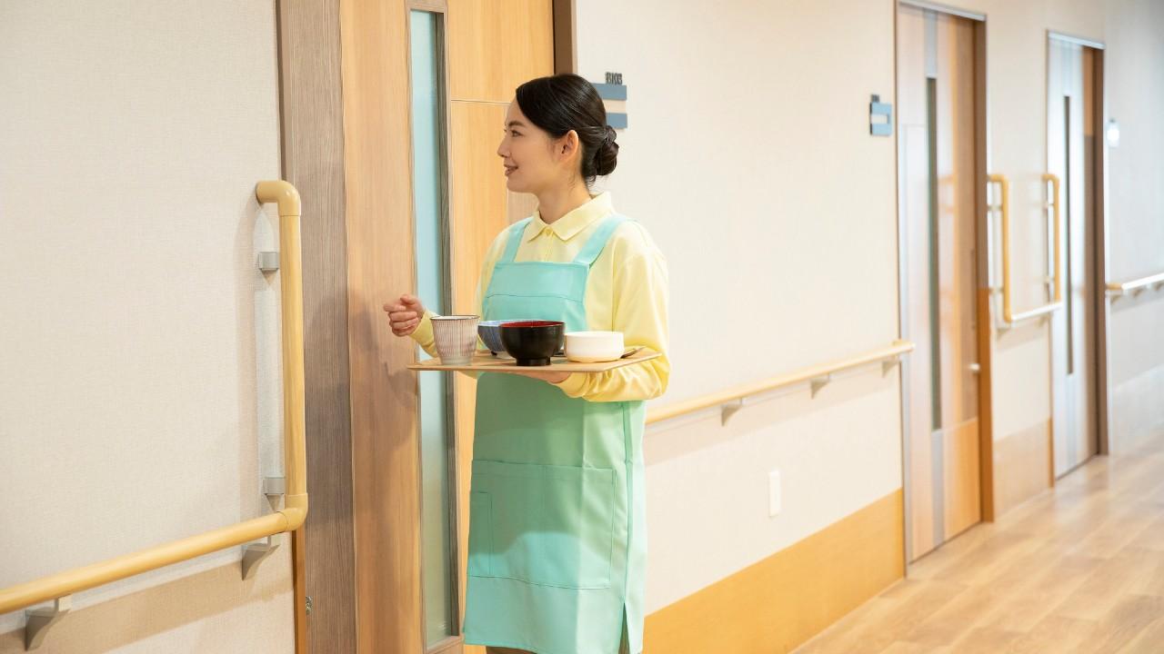 老人ホームで一番の不満…「食事が不味い」はなぜ起きるのか