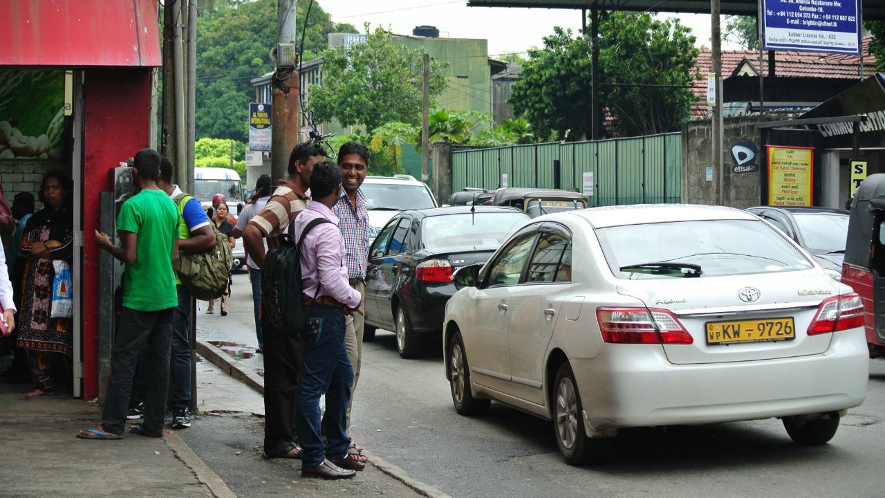 関税ルール変更で、日本からの輸入車の価格が上がるスリランカ