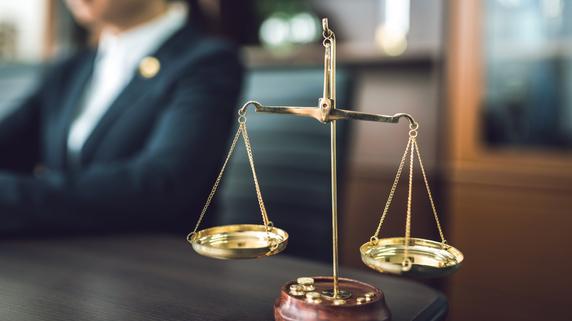 離婚や相続の問題――個人が弁護士に相談すべき事項