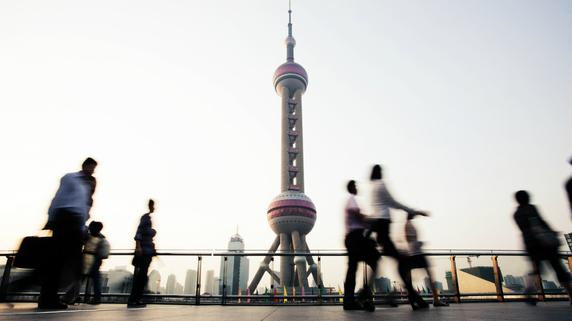 中国経済「新常態」への移行――地域間格差是正の遠い道のり