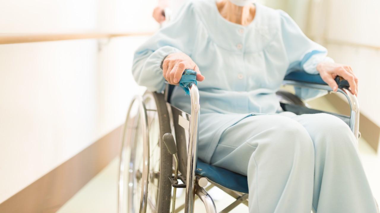 「親が緊急入院」診断後、何が起こる?子が準備すべきものは…