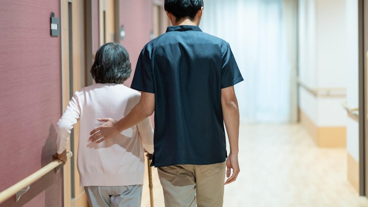 老人ホームの入居は誰のため?…厄介払いでは家族が崩壊する