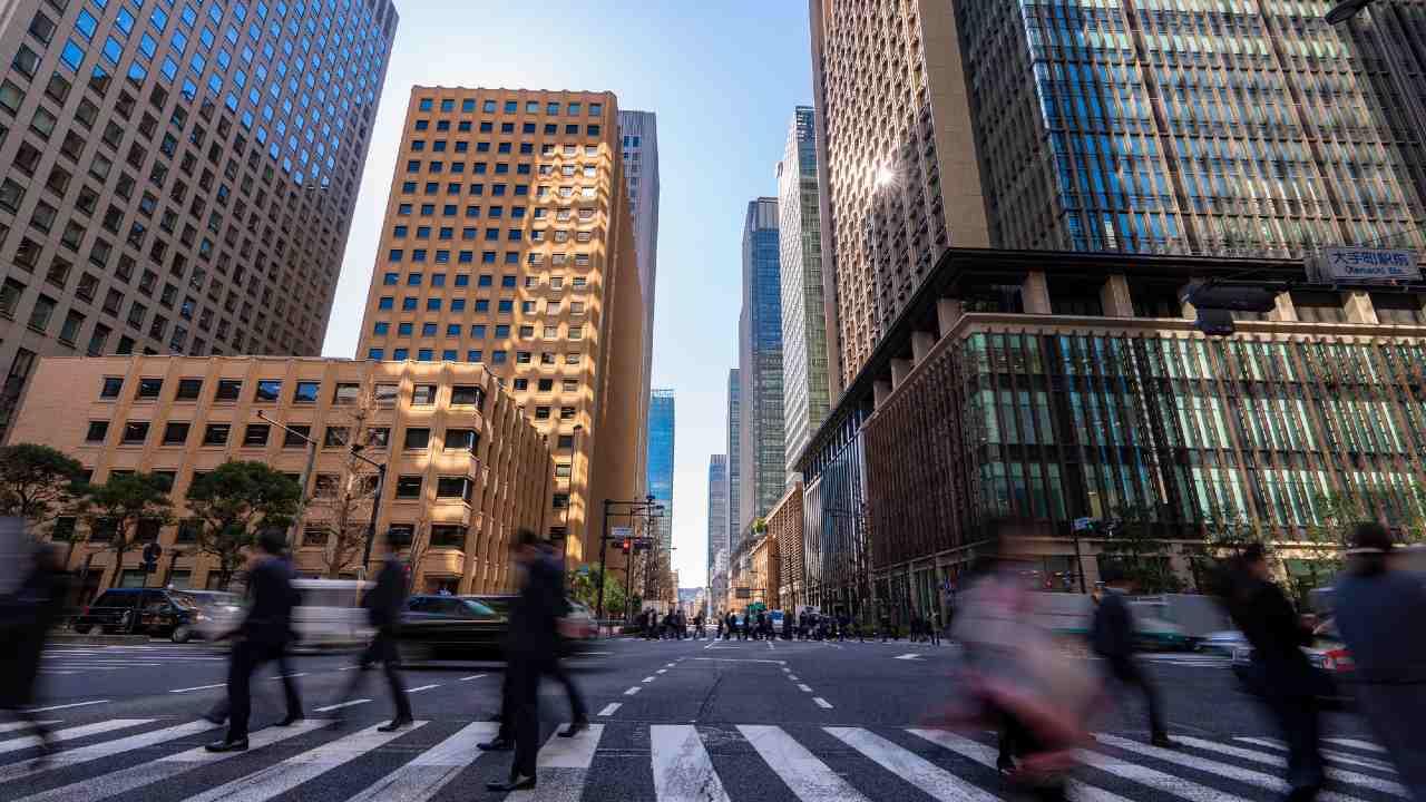 コロナ禍で空室目立つ「オフィスビル」…米国に見る日本の今後