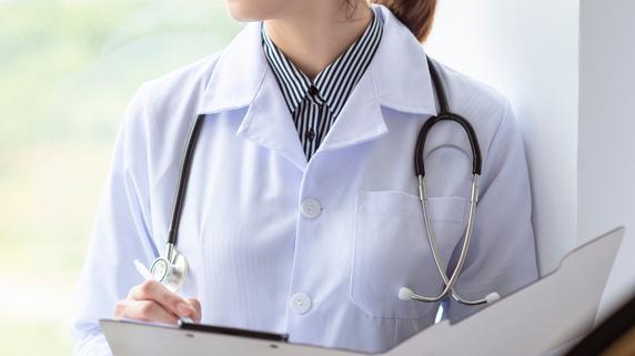 医師曰く「これは世代間の争い」男性優位の医学界に現れた変化