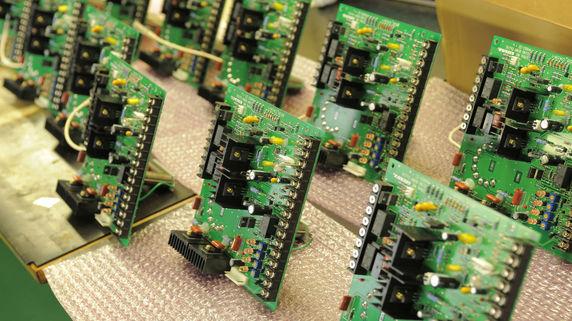 サムスン、投資2兆円増額 半導体製造装置関連銘柄に注目