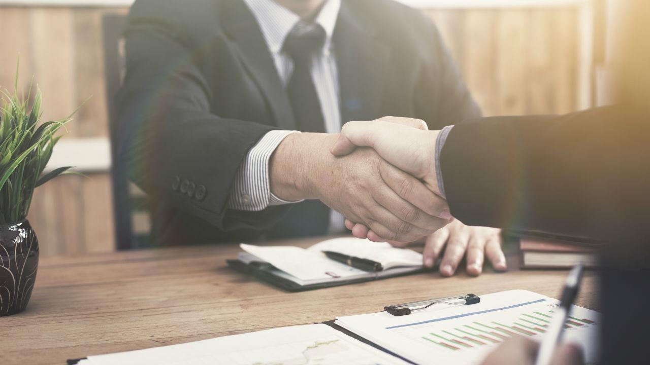 「特定企業への依存」を解消する契機としたい事業承継