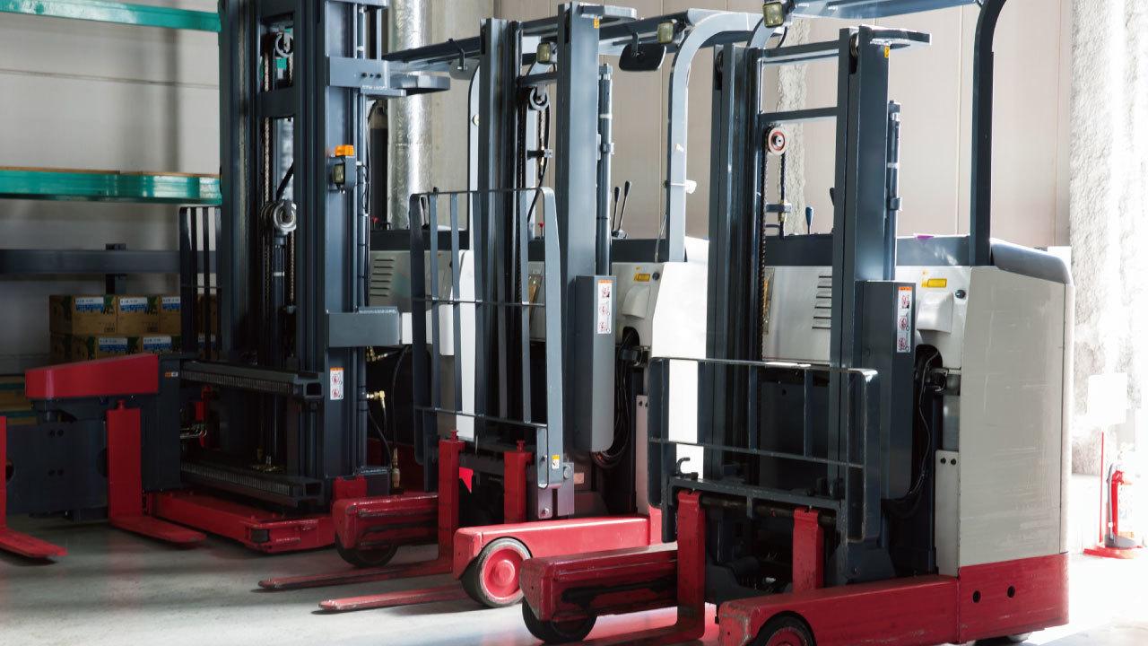 床下の空隙によって激しい振動が発生した倉庫業の事例